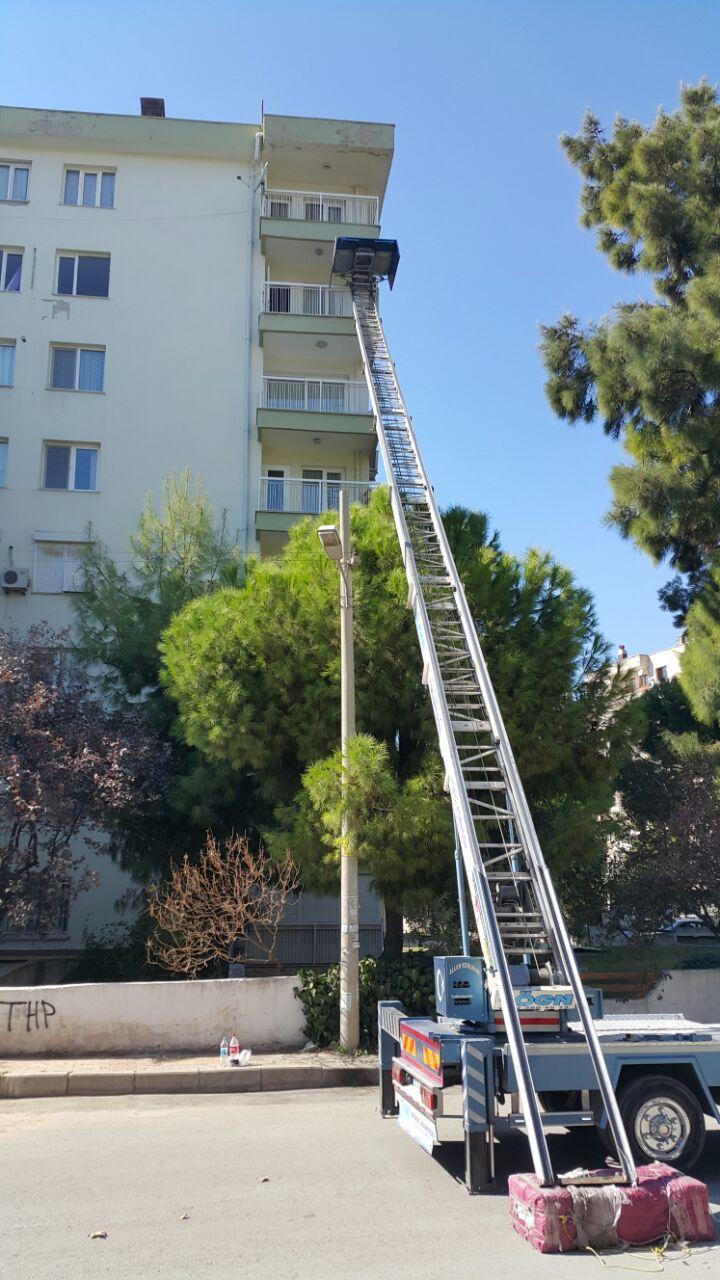 İzmir'de evden eve nakliyat hizmetinde deneyim fark�